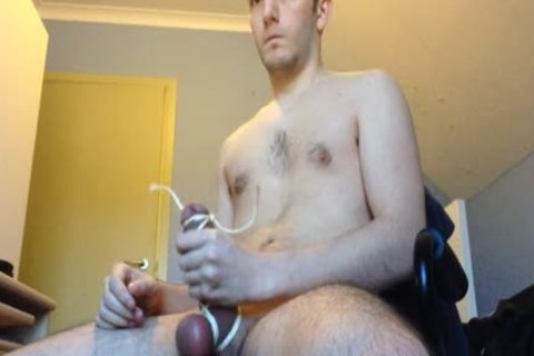 Kevin Binding His penis With Some Rope For Me.