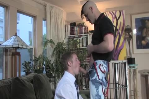 Missionary lad Meets Hung Daddy