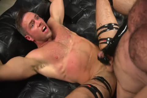 kinky Rubber couple