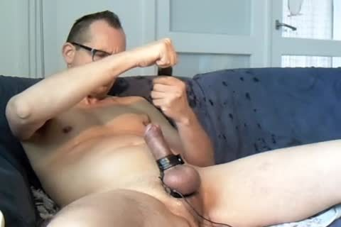 Pissing weenie, 2nd cum And Love To 'hit' The weenie